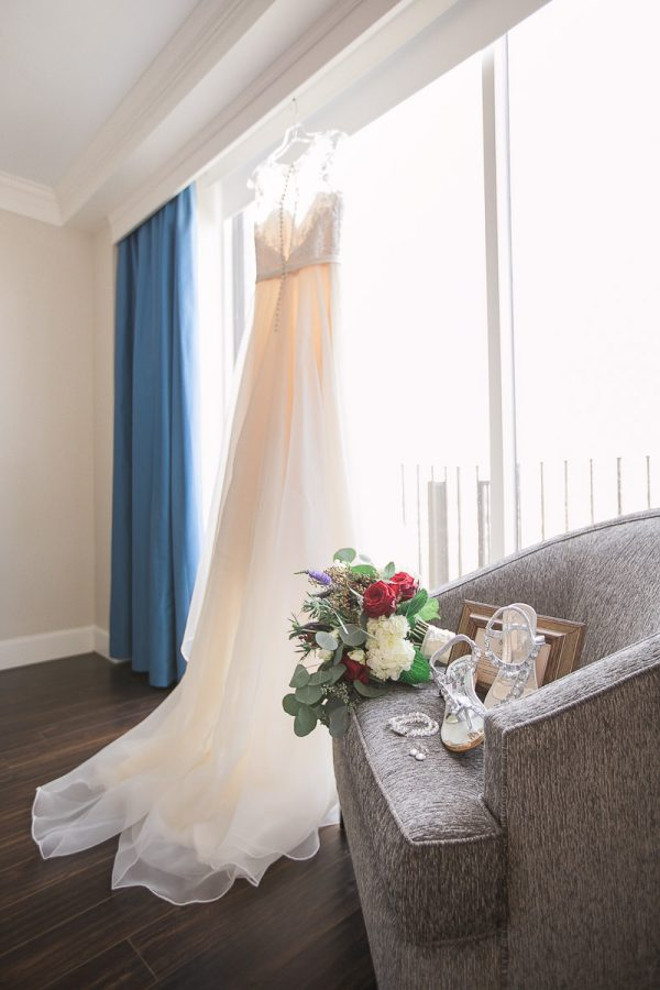 southern-wedding-getting dressed-savananh, ga-desoto hotel_01